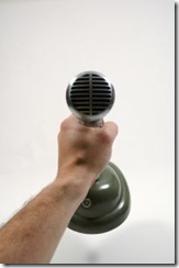 492409_microphone_grab
